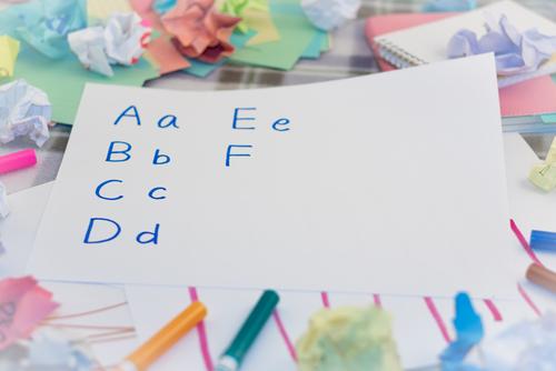 アルファベットの練習はいつごろ・どのようにすべき?