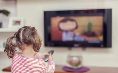 子供に英語のDVDを見せるときはどんなことに注意すべき?英語力をアップさせる3つのポイント