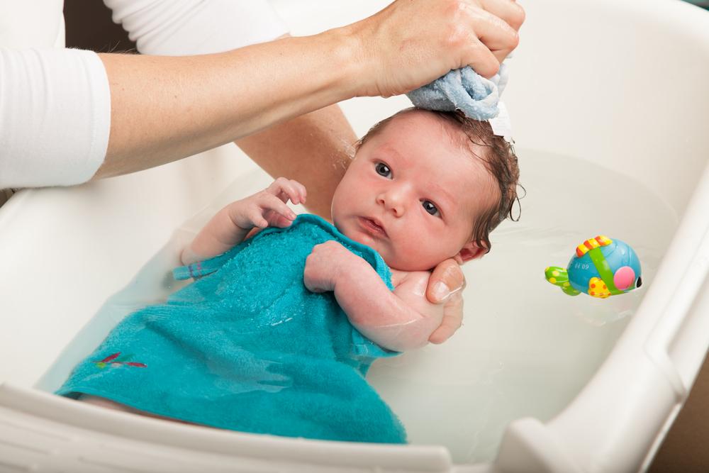 「新生児 お風呂」の画像検索結果