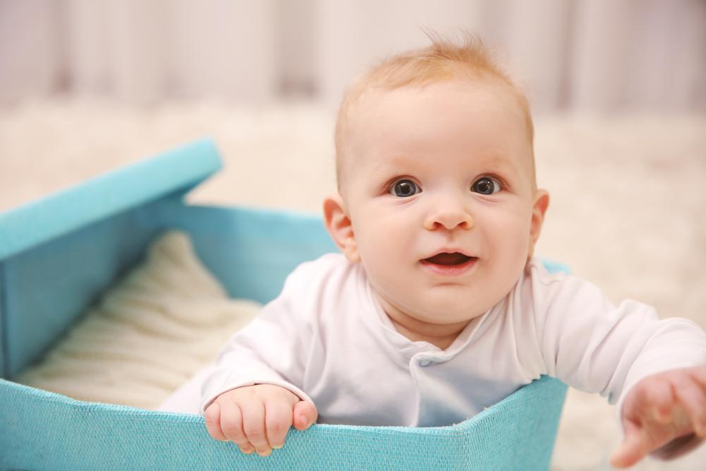 フィンランドでは赤ちゃんを段ボール箱に寝かせる?!