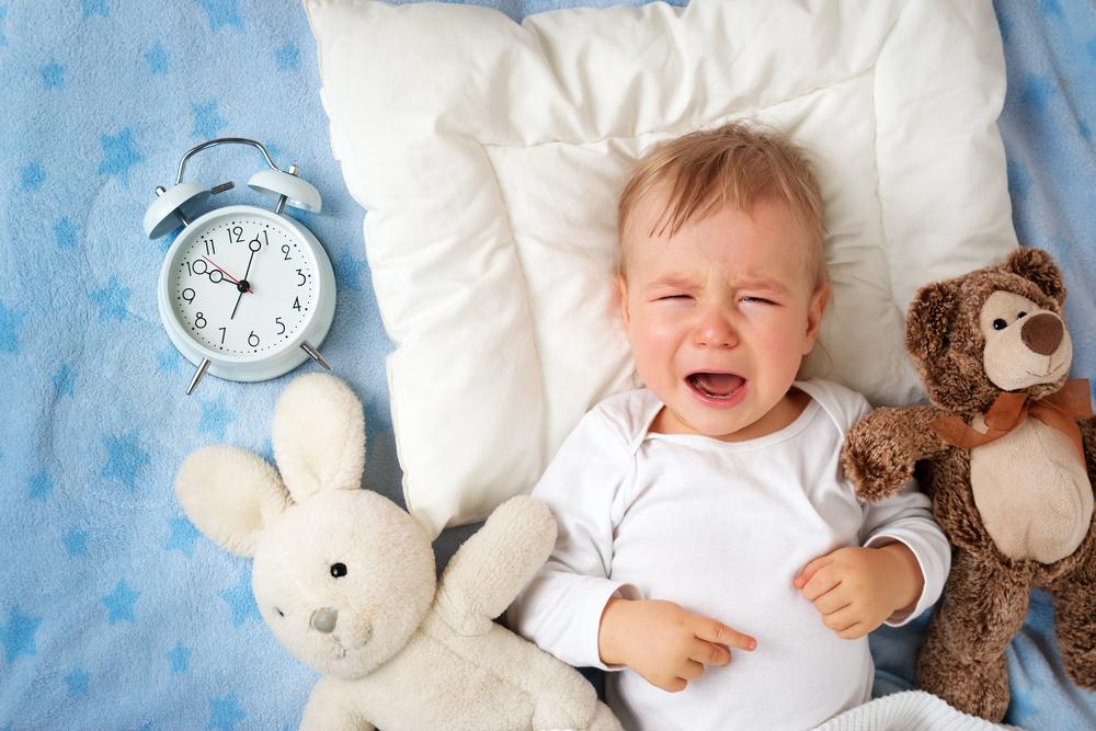 赤ちゃんの夜泣きの原因と対策は?夜泣きを予防するための6つの対処法もご紹介