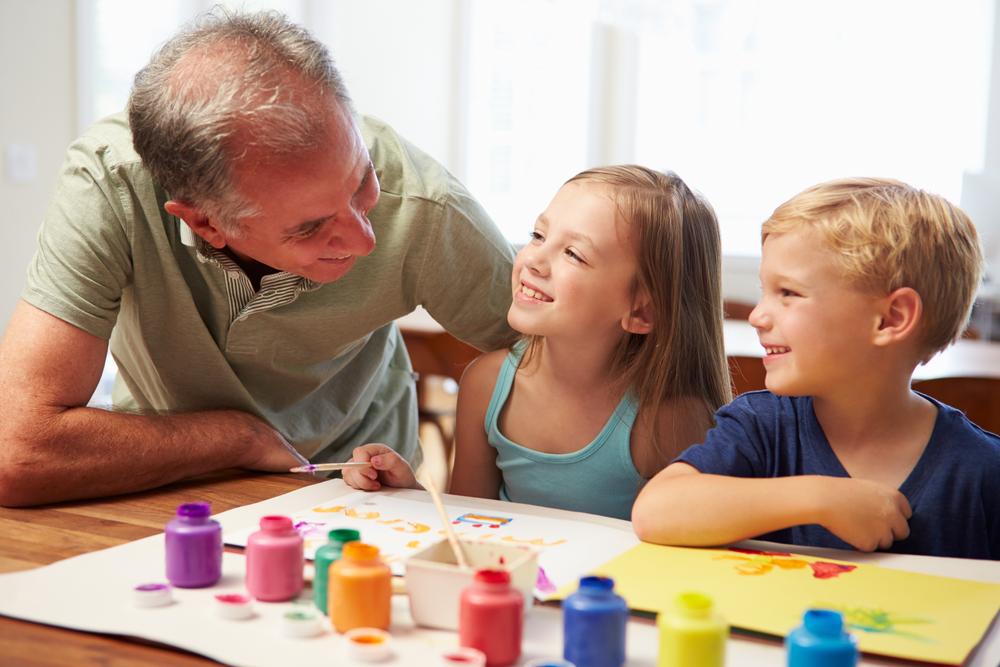 ほめるポイントで子供の絵の特徴が変わる