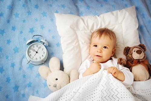 赤ちゃんの生活リズムはいつ頃身につく?