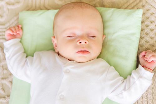 赤ちゃんの睡眠と生活リズム