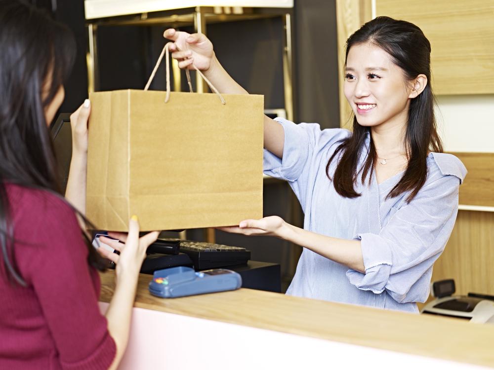 日本人は礼儀正しく、接客サービスが最高!