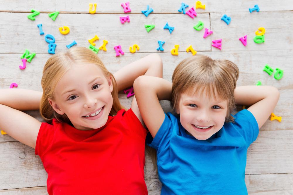 楽しく遊びながら子供の英語学習!英語が学べるおもちゃ4つ
