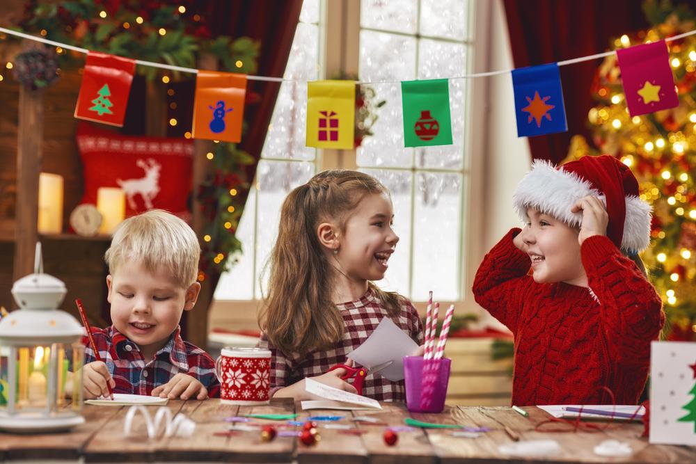 外国で定番のクリスマスカード!メッセージを書いて楽しく子供英語学習!