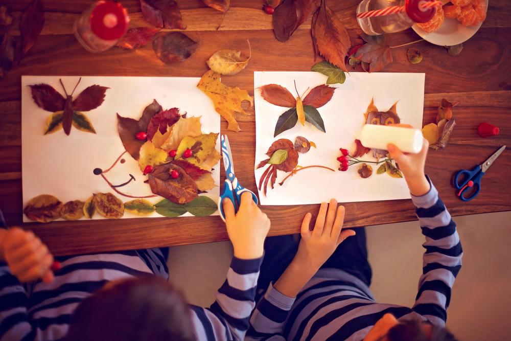 ドングリや落ち葉を使って絵を作ろう!