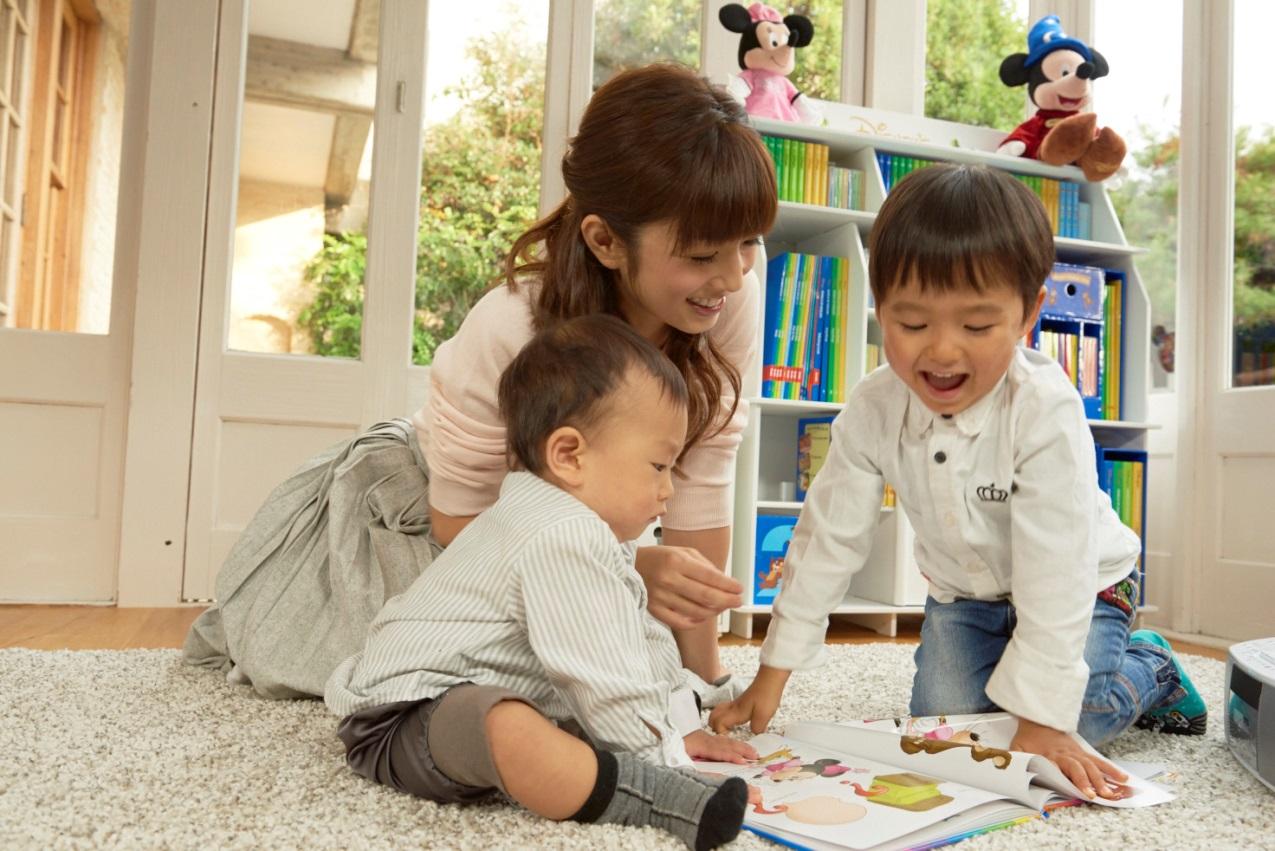 ゆうこりんに直撃取材!子供たちに早期英語教育中、使っている教材は一体…!?