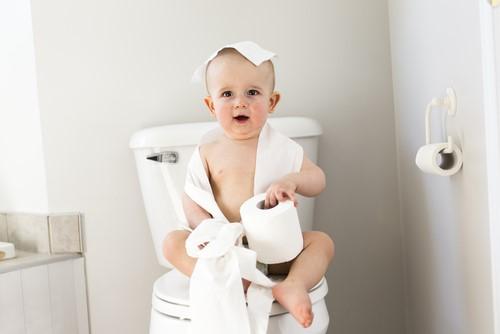 楽しくトイレトレーニング!始める時期やコツをご紹介!