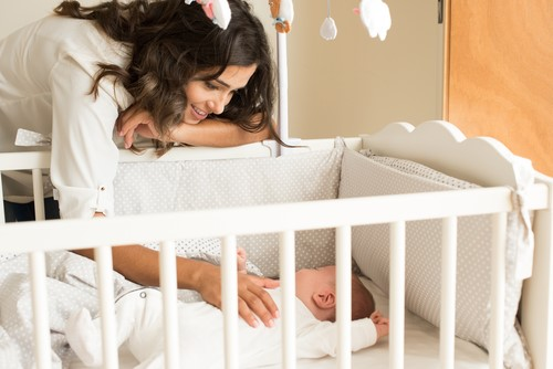 赤ちゃんをお昼寝に誘う工夫