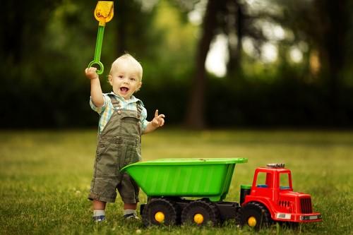 おもちゃや絵本は子供が自分で片付けられるように工夫