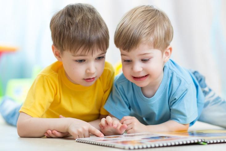 幼児期からの英語学習で子供をバイリンガルに育てられる?!