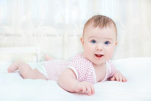 道具なしですぐに楽しめる!家庭でできる赤ちゃんの遊び!