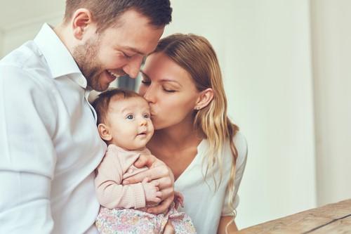 家庭英語学習で生後3ヶ月の赤ちゃんの遊びとママの生活がもっと充実する!