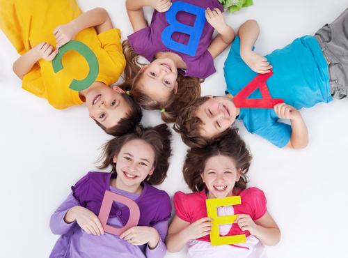親子で毎日1つずつアルファベットを順番に覚えよう!