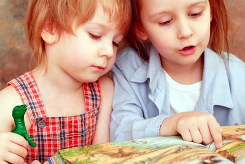 子供の語彙力を高めるのになぜ絵本がよいの?