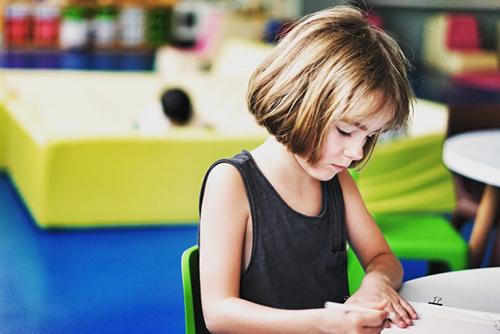 習い事は小学生に入る前にスタートしている家庭が多い