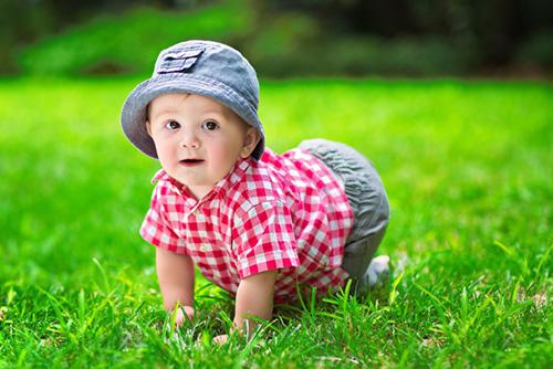 赤ちゃんとの旅行、いつ頃からOK?