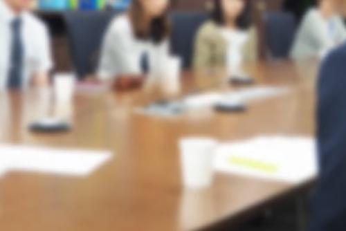 小学校における英語教育の現場~現役小学校教師による覆面座談会~