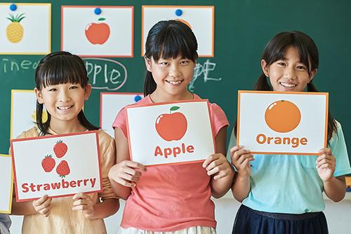 「認知(精神)発達の段階と英語の学習のレベルが合っていない」現在の日本の小学校の英語教育の課題とは