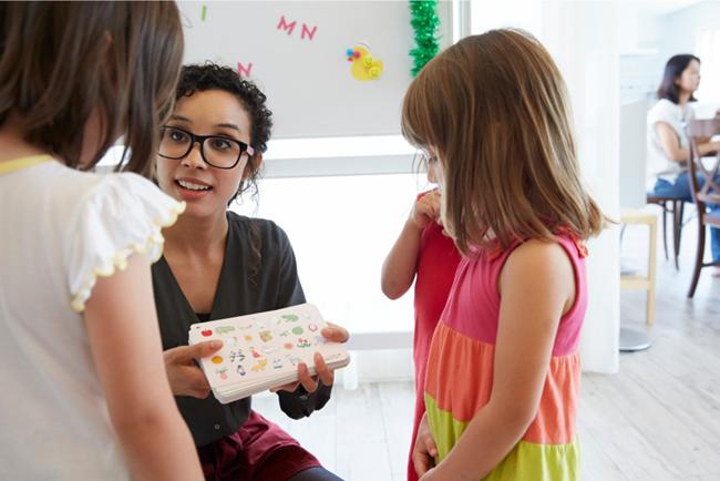 幼児・子供にネイティブな英語教育をさせたい!英語講師を選ぶポイント