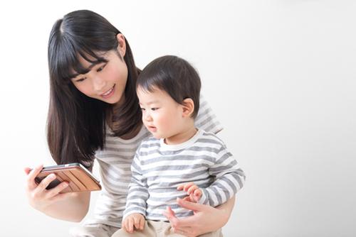 1歳から始める!子供のリスニング力を高める3つのコツ