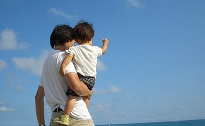 赤ちゃんを海外旅行に連れていけるのはいつから?注意点と持っていくべきもの