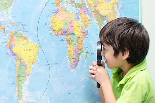 学力を伸ばすアイテムとして、「図鑑」「地図」「辞書」をあげているのはなぜですか?