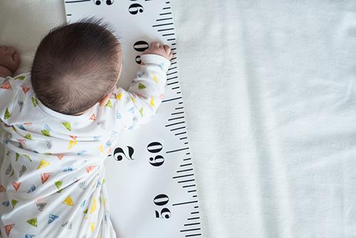 【男女別】新生児~1歳までの月齢ごとの体重と身長の平均
