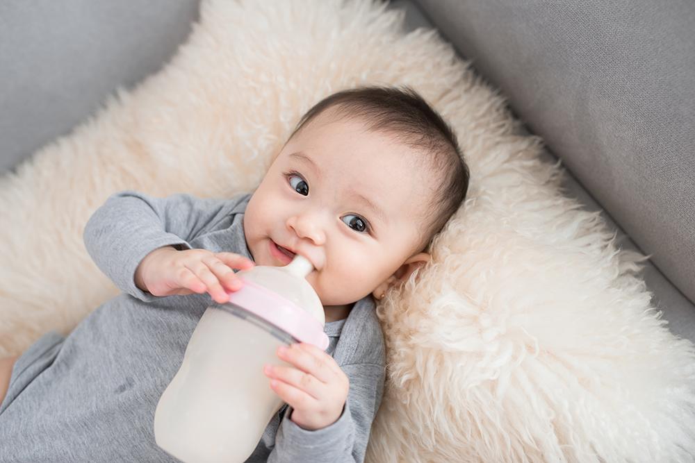 2 ミルク 量 ヶ月 生後