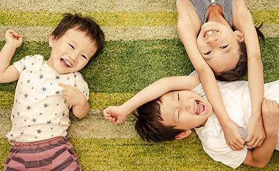 親子で楽しめる「おうち遊び」特集!子供とのおうち時間をもっと楽しく!