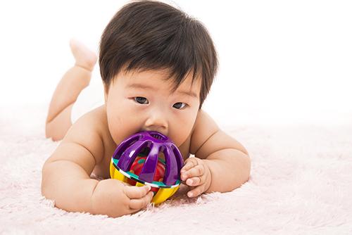生後4ヶ月の赤ちゃんの成長