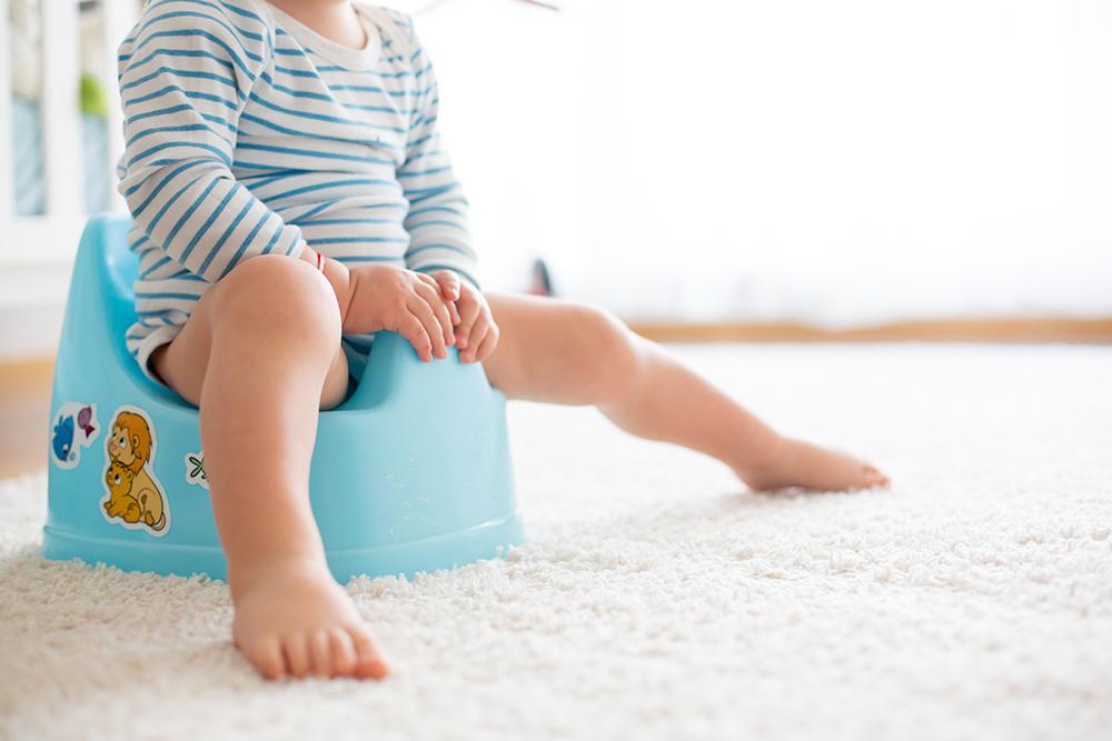 【小児科医監修】赤ちゃんの「便秘」の原因と家庭でできる解消法