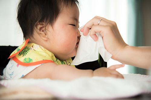 赤ちゃんの鼻水「ふき方・取り方」のコツと注意点