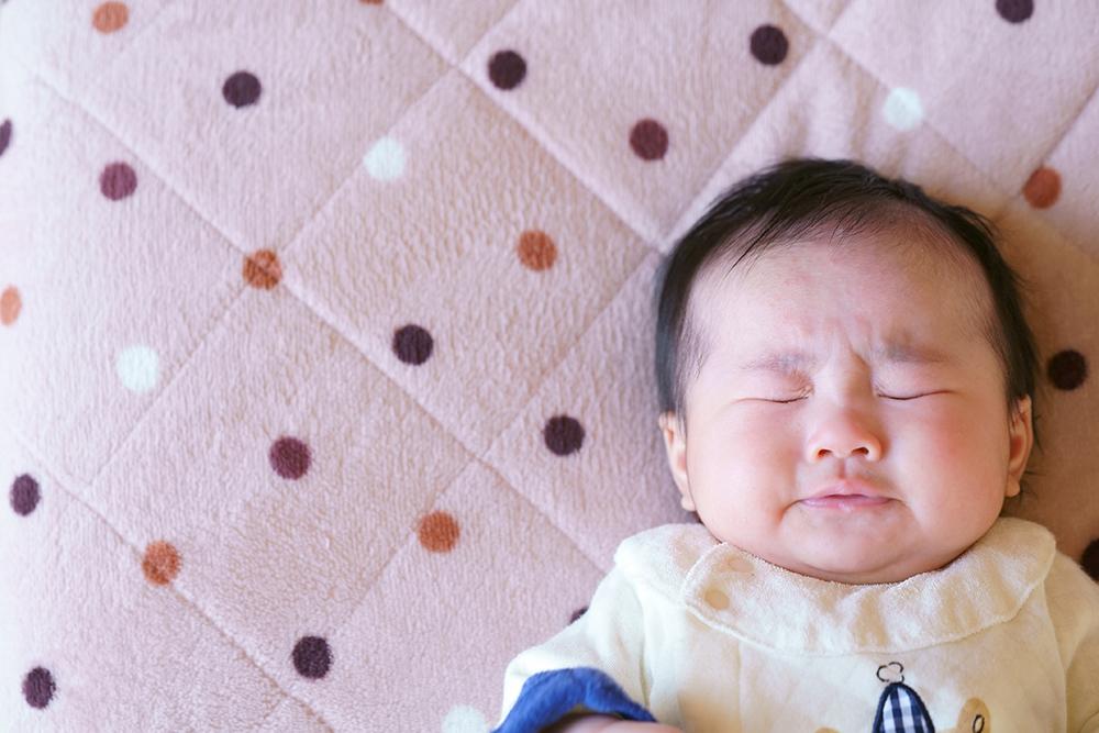 新生児のくしゃみはどうして多い?原因や対処法、増える時期