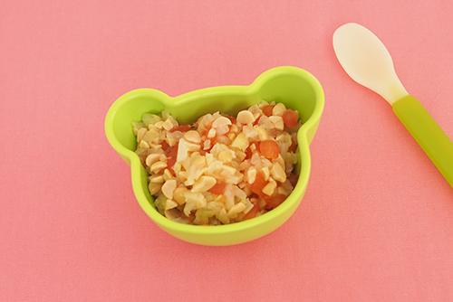 離乳食中期の後期(7〜8カ月頃)『納豆の彩りサラダ』