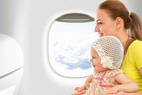 赤ちゃんはいつから飛行機に乗れるの?