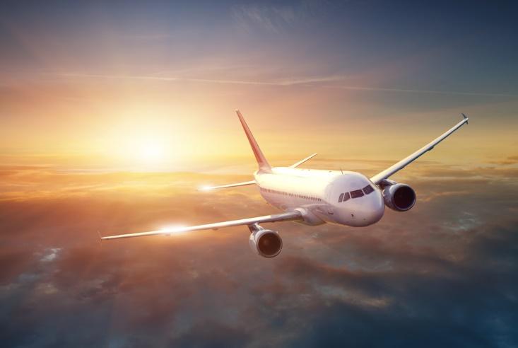 これで安心!赤ちゃん連れで飛行機に乗る時のポイントと注意点