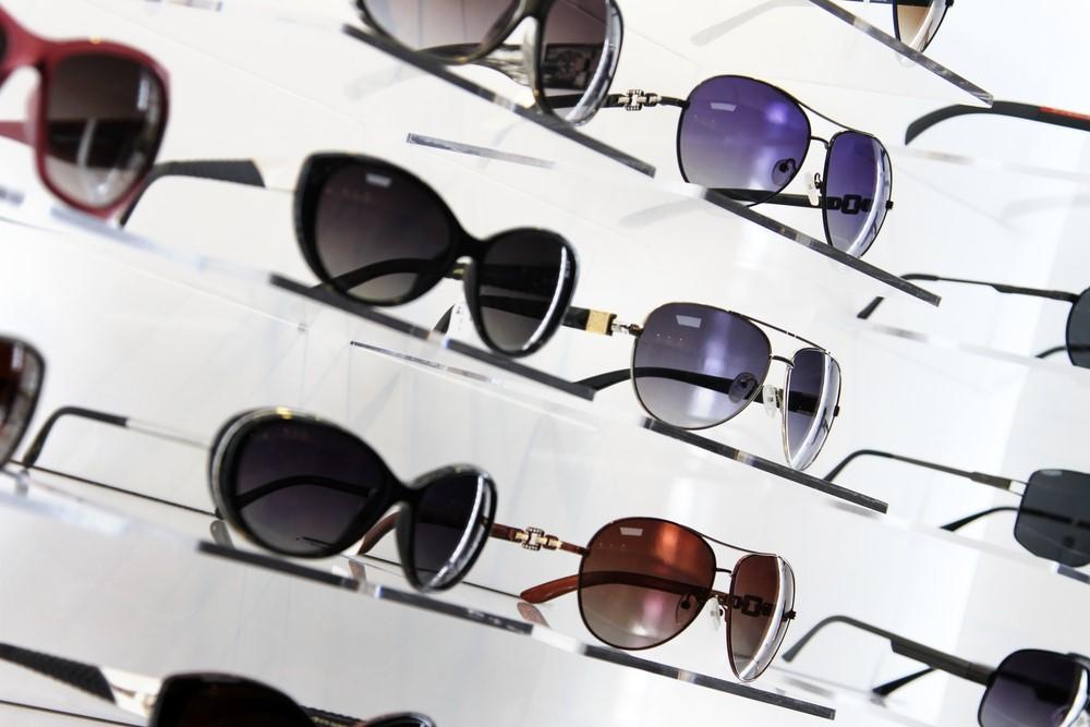 正しいサングラスの選び方