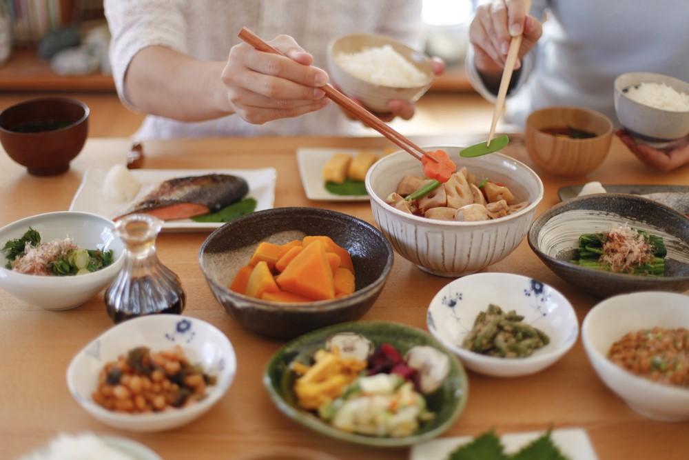 共働きの食事作りを簡単・楽にする時短テク!