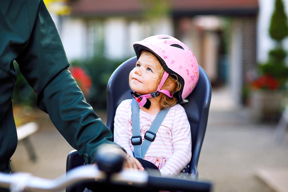 いつから赤ちゃんを自転車に乗せられる?前乗せ?後ろ乗せ?抱っこ紐は?