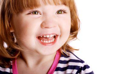 子供の歯の矯正は当たり前?外国と日本の歯並びに対するイメージの違い