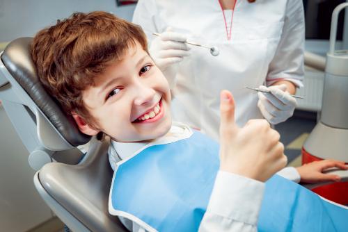 欧米を始めとする外国では子供のうちからの歯の矯正に積極的