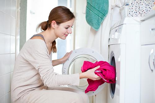 大人と同じ洗濯洗剤はNG?赤ちゃん用の洗剤の必要性とメリット