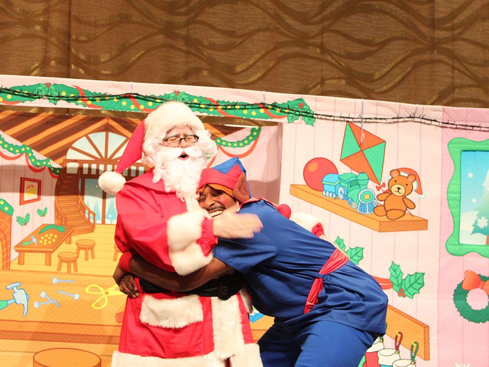 クリスマスイベントでのDash先生とサンタさん