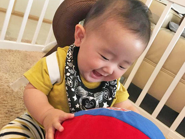 生後3ヵ月になり、お歌を歌うとご機嫌です ほか03