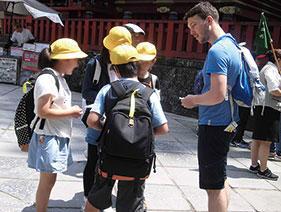 目指すは日光の外国人観光客へのインタビュー!中青戸小学校の英語授業の記事画像