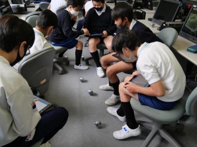 Q5. 「ICT」(情報通信技術)は英語教育にどのように活かされていますか?