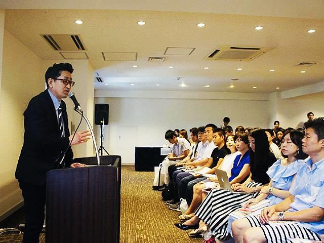 Q1. 先生が日本の英語教育に危機感をもつようになったきっかけは何でしょうか?